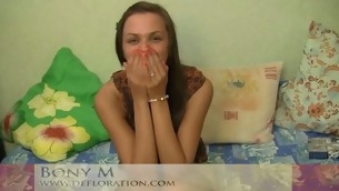 Cute cutie feels a dick unfathomable in her snatch for the first time